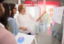 Deakin MBA Offers Female Leadership Fast-Track